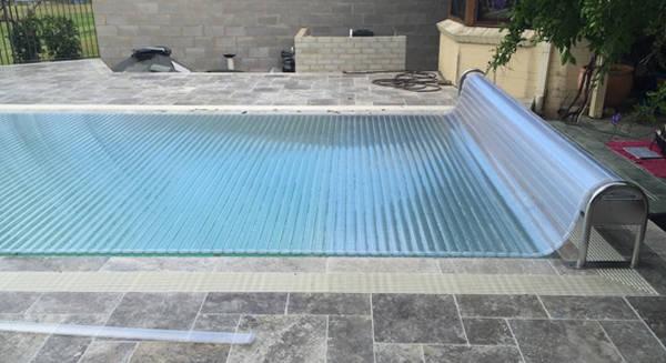 abri haut piscine prix