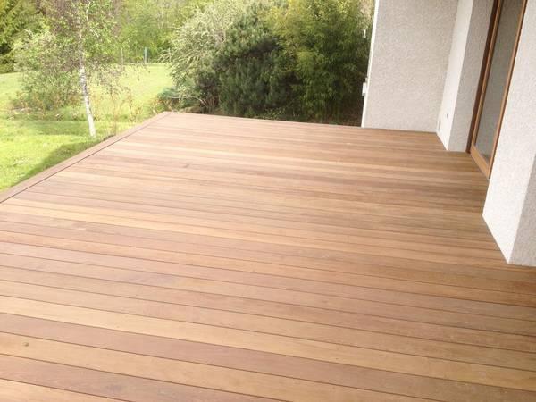 prix terrasse bois ou composite pour piscine
