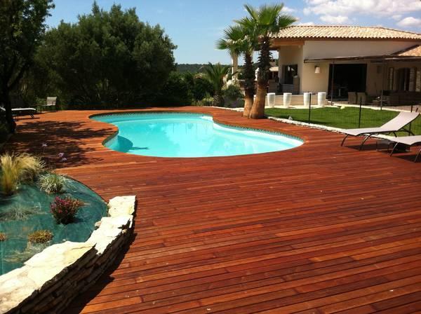 comment poser terrasse bois sur gazon
